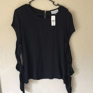 Lf top with cut our sleeves NWT